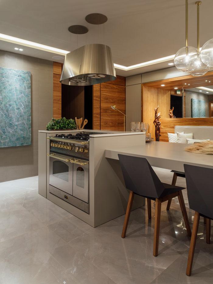 2 eliane-casa-cor-rs-2018-juliana-motta-e-priscila-viegas-cozinha-gourmet-porcelanato-polido-pulpis-gray-po-60x120cm-foto-cristiano-bauce