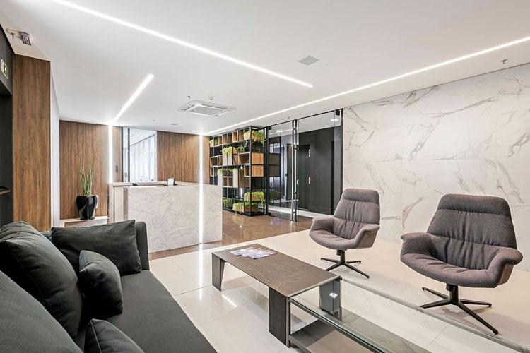 3 Porcelanatos Minimum e Place Projeto Roesler e Kredens Arquitetura