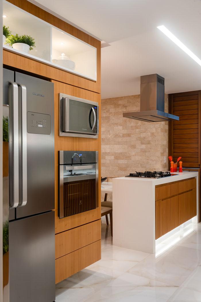 Cozinha com porcelanato Eliane - Projeto Edduardo Trigo - Foto Camila Santos