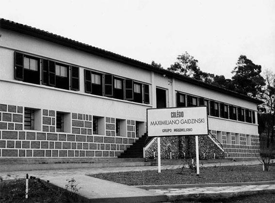 Fundação Colégio Maximiliano Gaidzinski 1979 Eliane Revestimentos