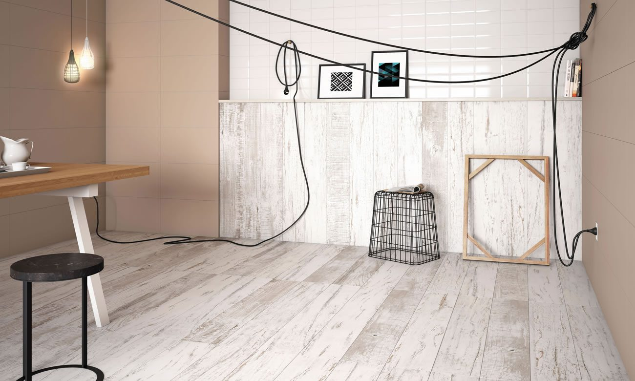 Ambiente Eliane: blanc-ac-20x120cm_metro-white-10x20cm_diamante-greige-32,5x59cm-amb-39