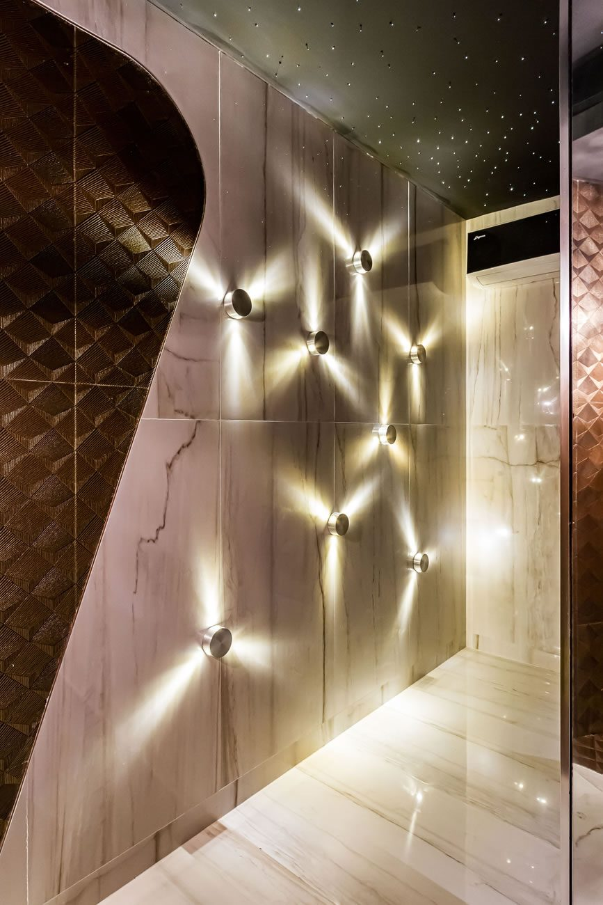 Ambiente Eliane: casa-cor-bolivia-rosario-abularach-box-gold-ac-45x90cm_fossile-po-59×118,2cm-foto-alvaro-mier-amb-01