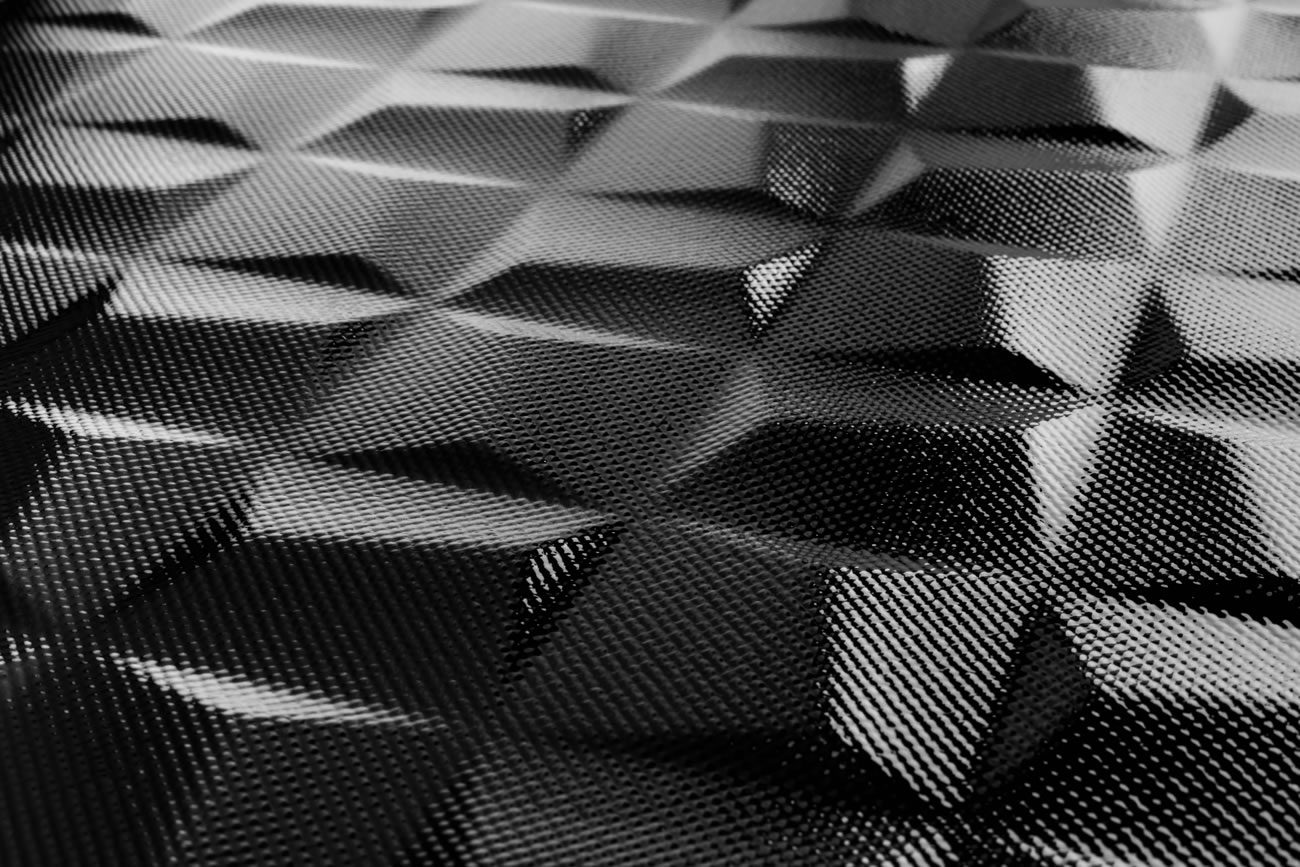 entorno de Eliane: cúbico-negro-brillo-BR-45x90cm-conceito