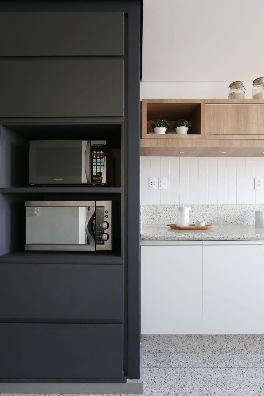 environment Eliane: degrade-arquitetura-ap-vila-madalena-linear-white-ma-10x30cm-foto-mariana-orsi-amb-02