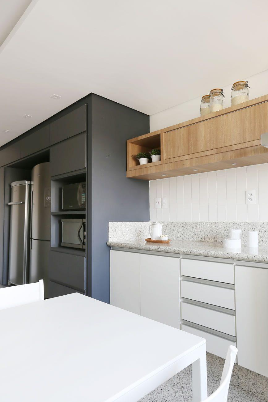 environment Eliane: degrade-arquitetura-ap-vila-madalena-linear-white-ma-10x30cm-foto-mariana-orsi-amb-03