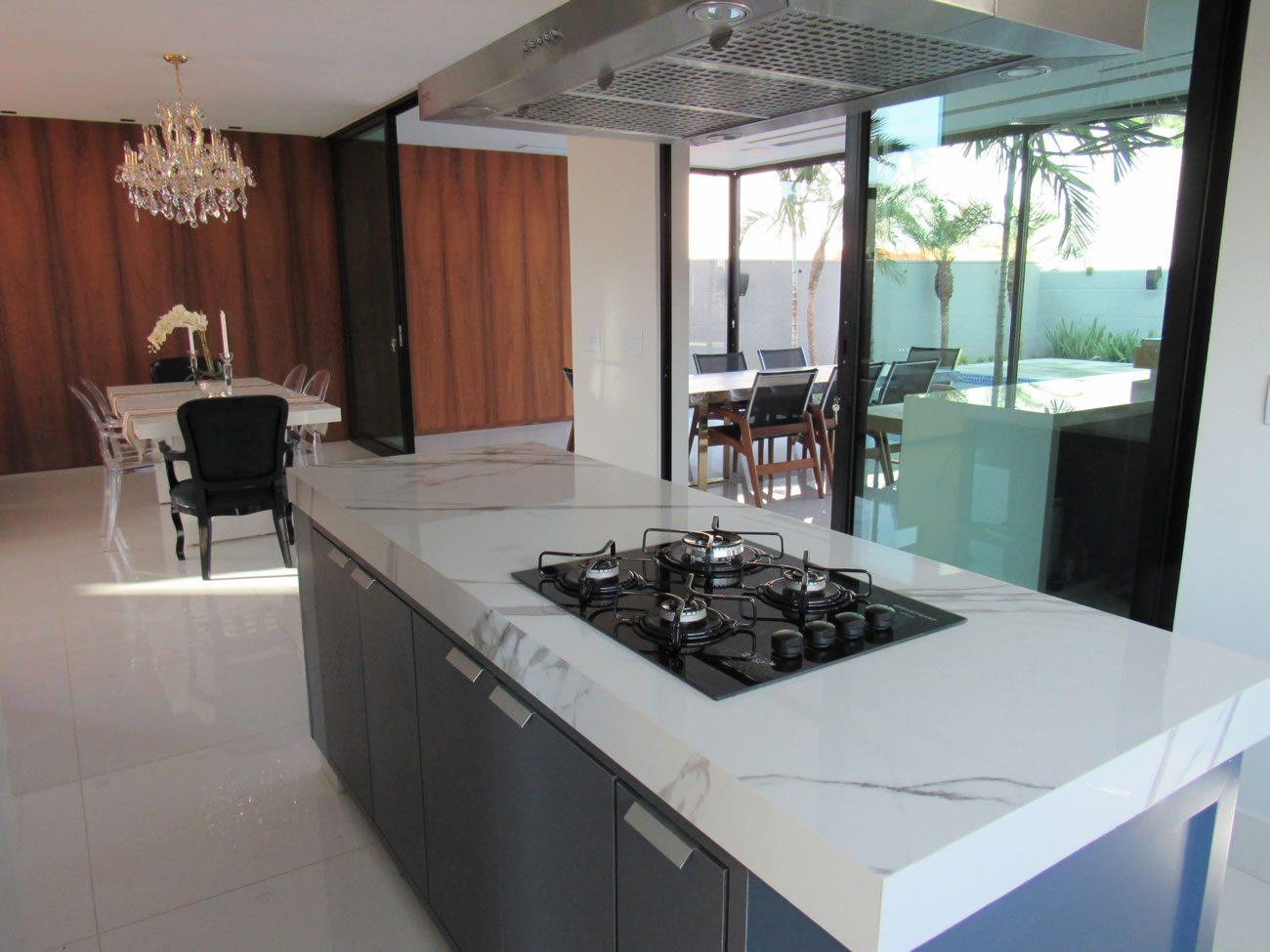 Ambiente Eliane: fabio-martins-arquiteto-marmo-branco-po-120x240cm-amb-01