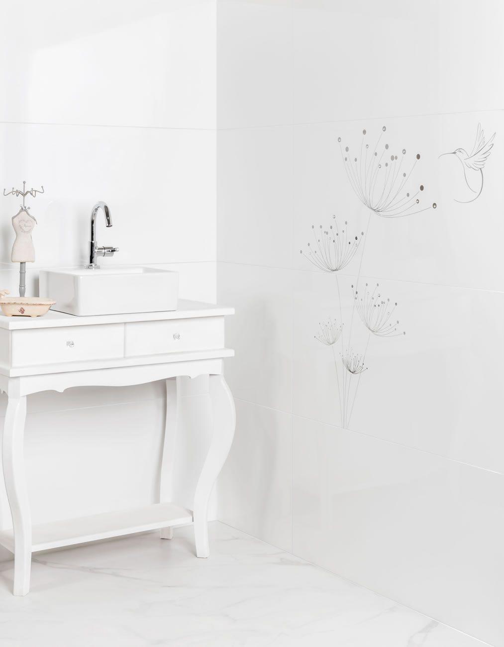environment Eliane: kit-colibri-br-45x90cm_diamante-branco-br-45x90cm_calacata-po-80x80cm-amb-02