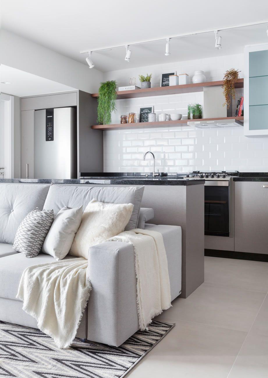 Ambiente Eliane: metrik-design-munari-cimento-90x90cm_metro-white-10x20cm-foto-fabio-jr-severo-amb-03