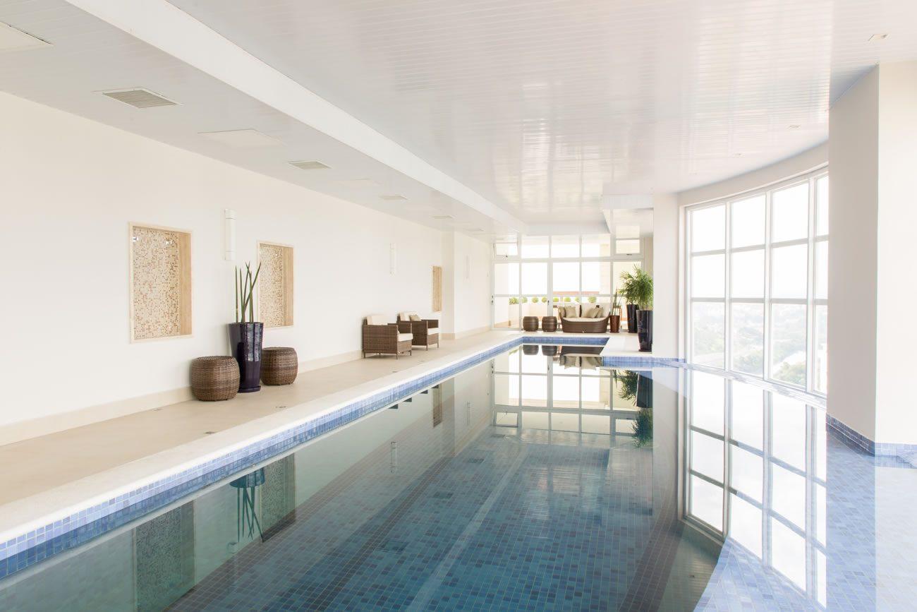 environment Eliane: sharon-fliter-arq-piscina-munari-marfim-ext-60x60cm-amb-06