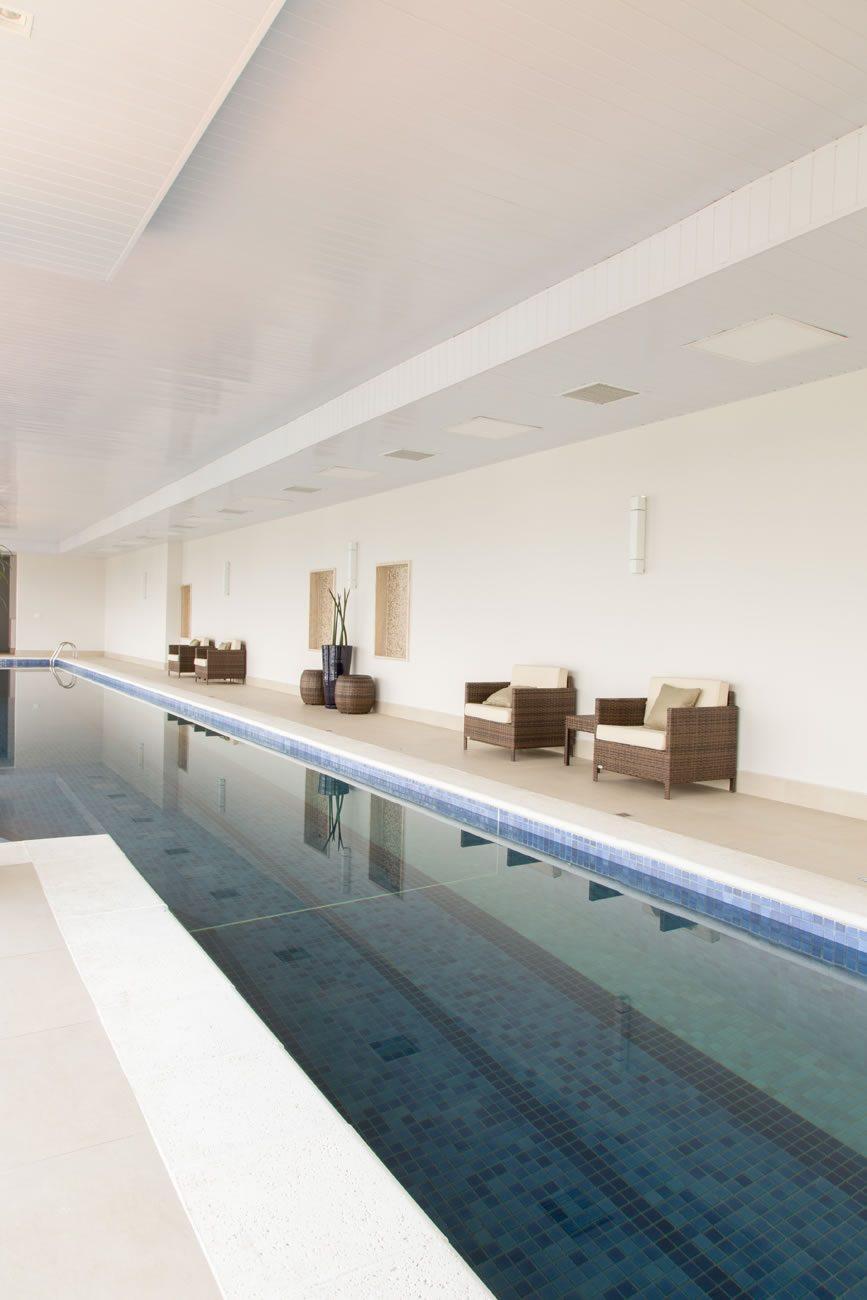 entorno de Eliane: sharon-fliter-arq-piscina-munari-marfim-ext-60x60cm-amb-14