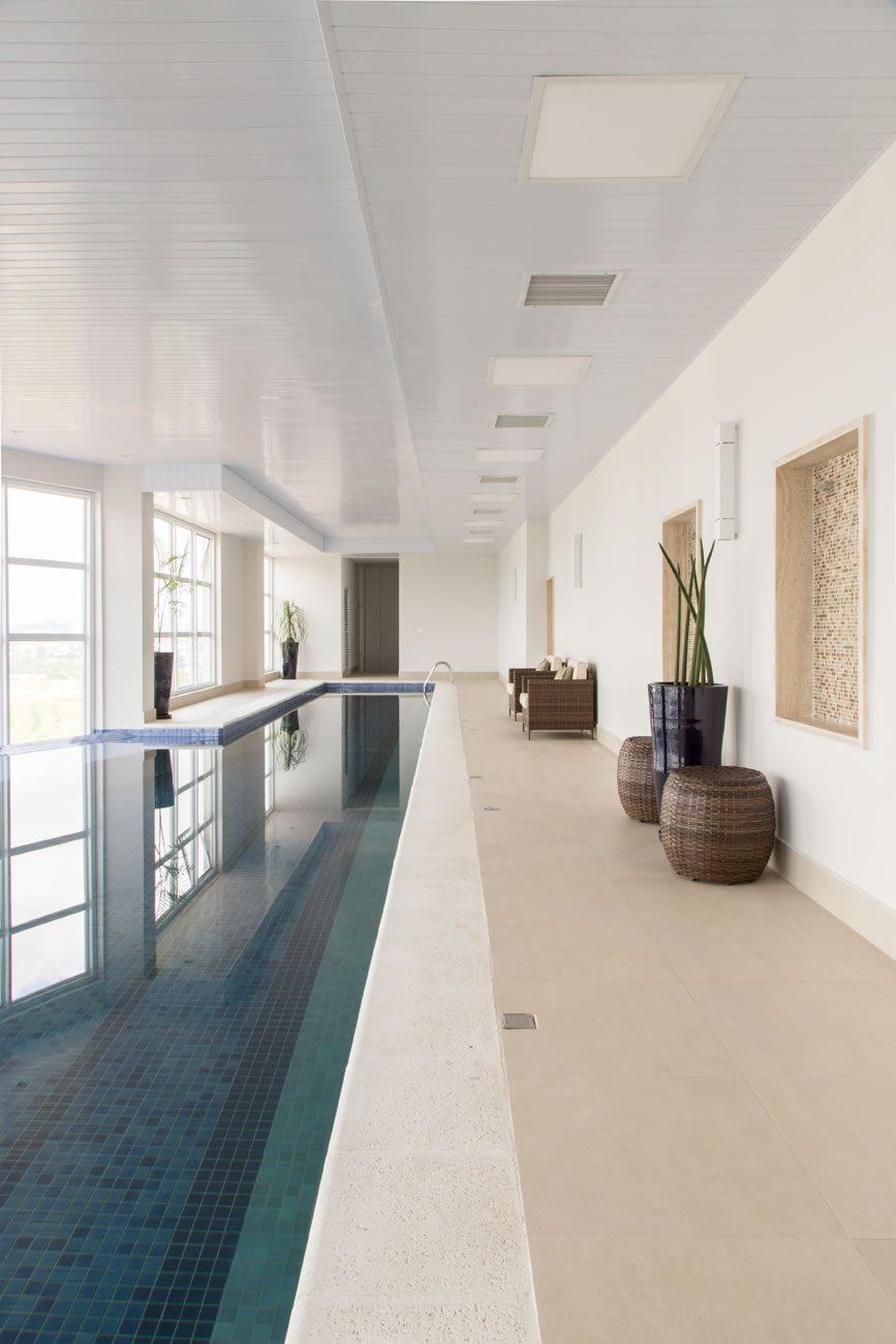 environment Eliane: sharon-fliter-arq-piscina-munari-marfim-ext-60x60cm-amb-15