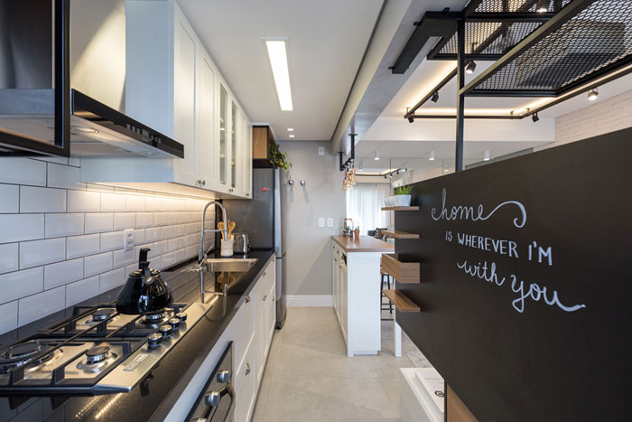 3 apartamentos diferentes com o azulejo Metrô