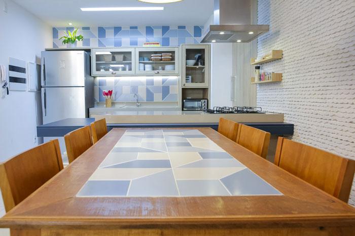 eliane-ciclo-gestao-e-projetos-azulejo-look-blue-ac-30x90cm-foto-bea-saboia